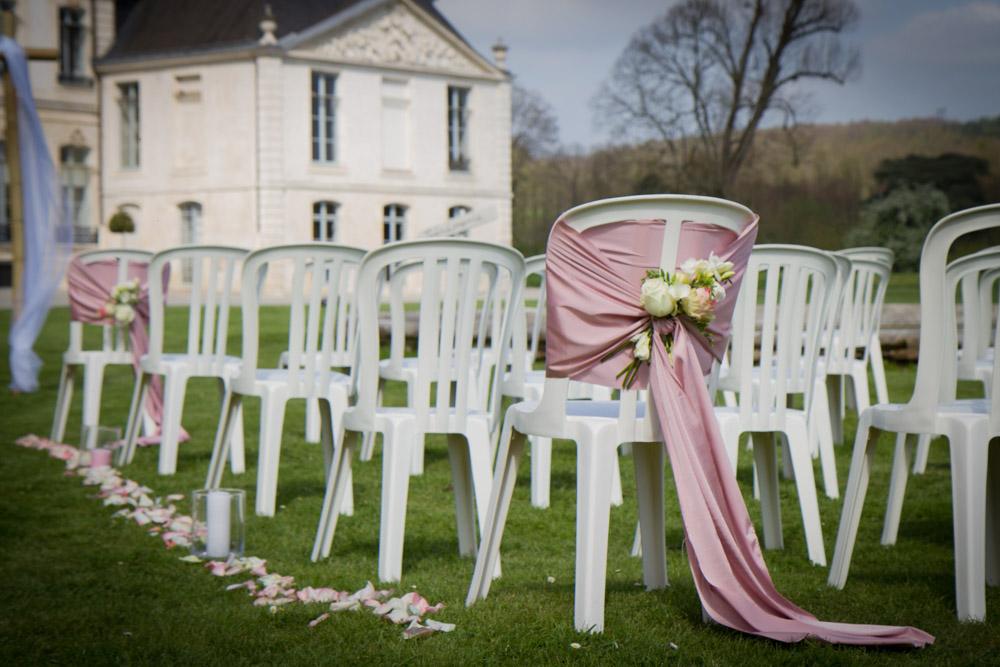 photos shooting inspiration portrait photographe mariage mariés robe cérémonie couple préparatifs abbaye du valasse normandie décoration fleur