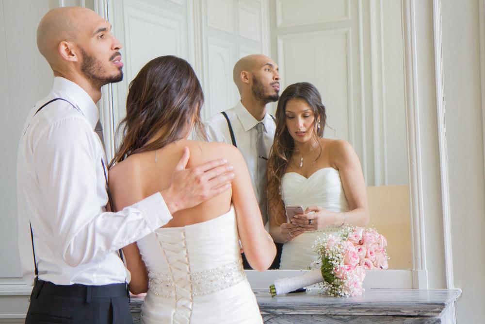 photos shooting inspiration portrait photographe mariage mariés robe cérémonie couple préparatifs abbaye du valasse normandie tendresse