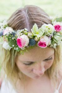 La couronne de fleurs de Sandrine au style bohème chic, photo de détails