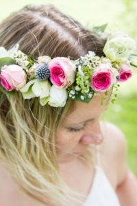 Les détails de la couronne de fleurs réalisée par Sandrine
