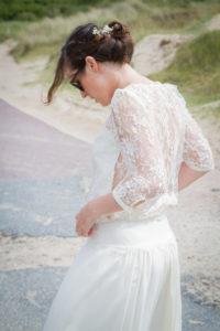 mariage bohème Profil de Barbara sur la plage de Gouville sur mer