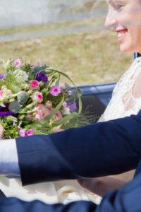Le bouquet de Barbara dans la 2 CV à Gouville sur mer
