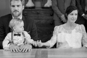 La famille réunie dans la salle des mariages de Gouville sur mer