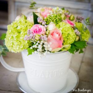 bouquet dans une tasse composée par sandrine fleuriste au havre