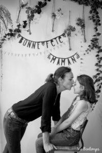 cecile et sa fille pendant le shooting fête des mamans fecamp 2017 photo noir et blanc magasin sibellule