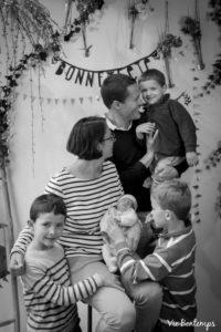 la famille durand pendant le shooting fête des mamans fecamp 2017 photo noir et blanc magasin sibellule