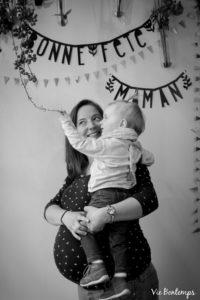 la complicité de mathilde et jude pendant le shooting fête des mamans fecamp 2017 photo noir et blanc magasin sibellule