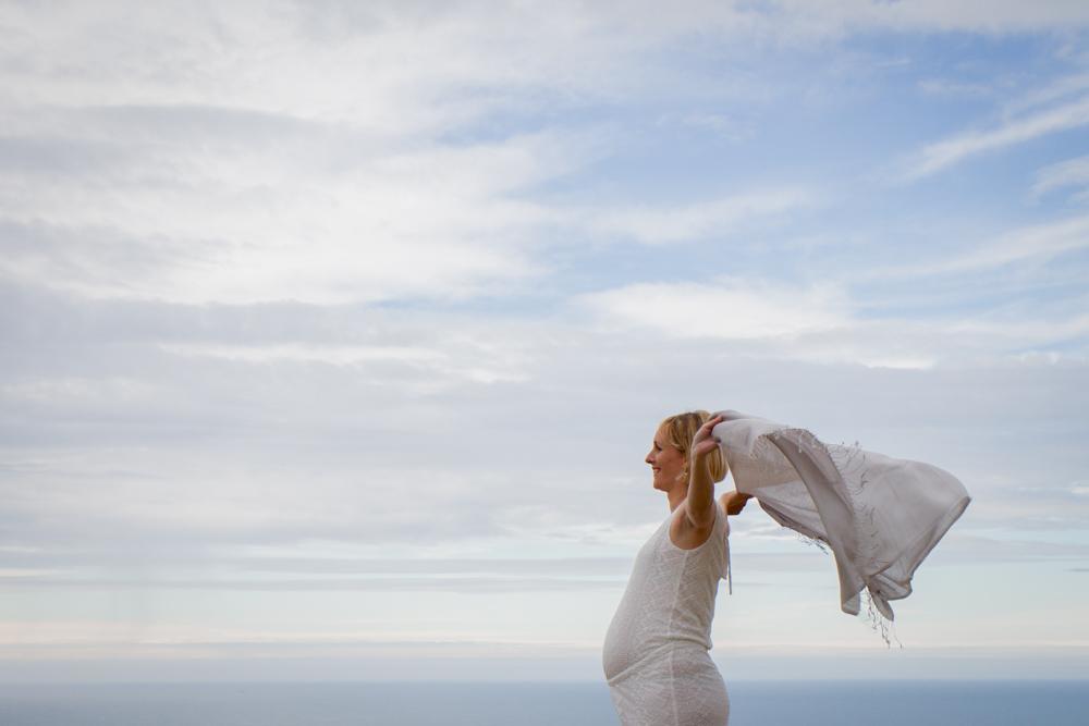 Clara et son foulard face à la mer Senneville sur Fécamp