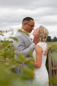 le regard des mariés photo de couple joli mariage