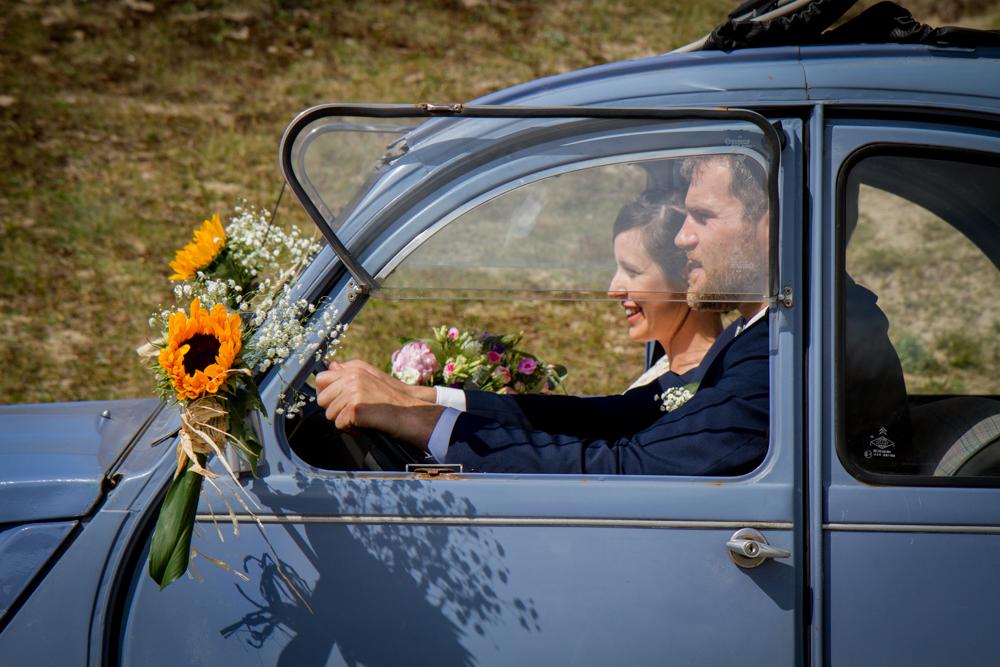 photographe mariage bohème normandie 2CV