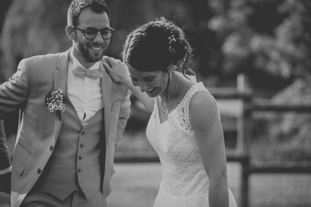 photographe de mariage en normandie à etretat photos de couple