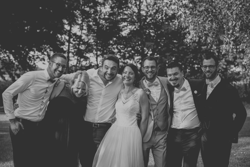 photographe de mariage en normandie à etretat photos de groupe