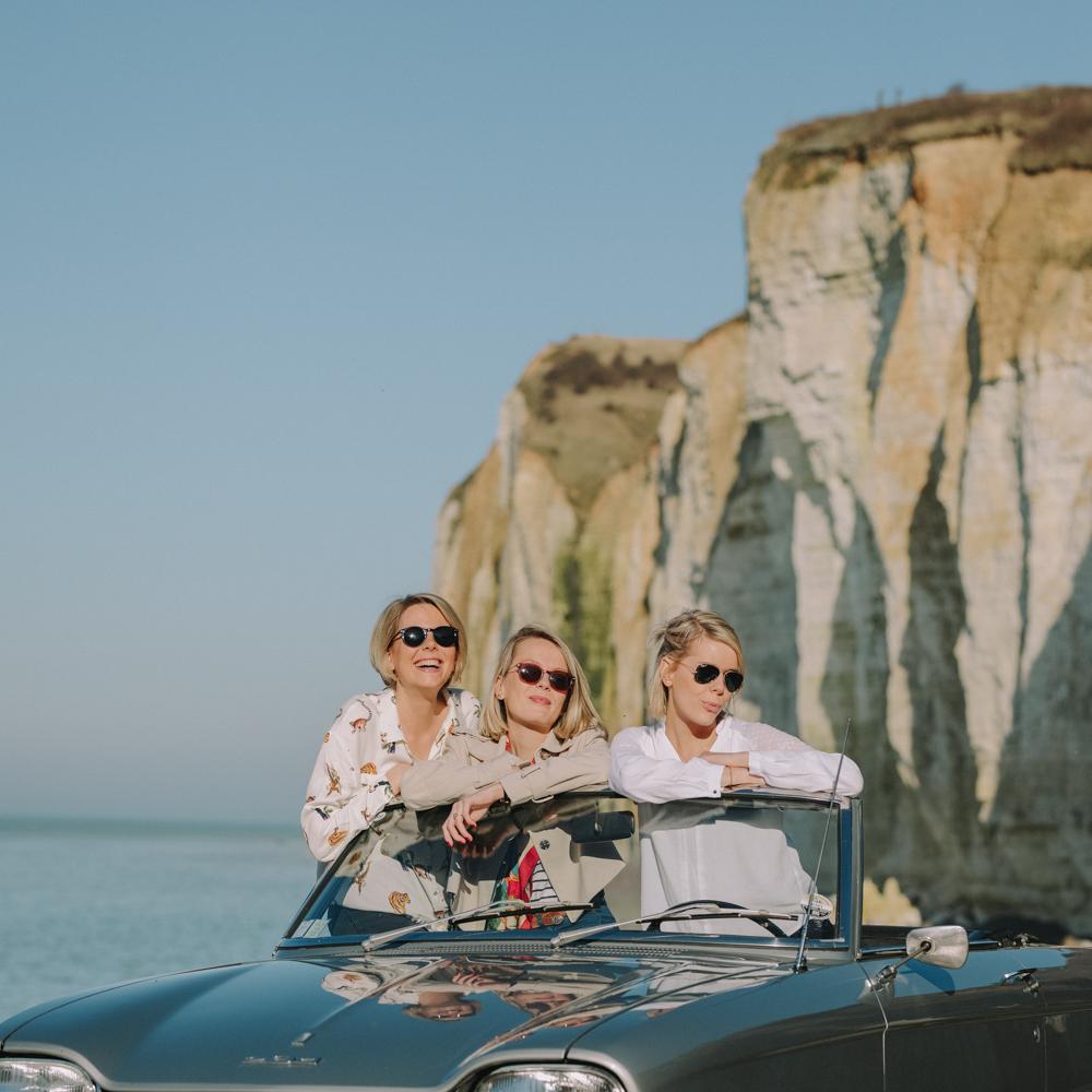 photographe de famille en Normandie fratrie saint pierre en port