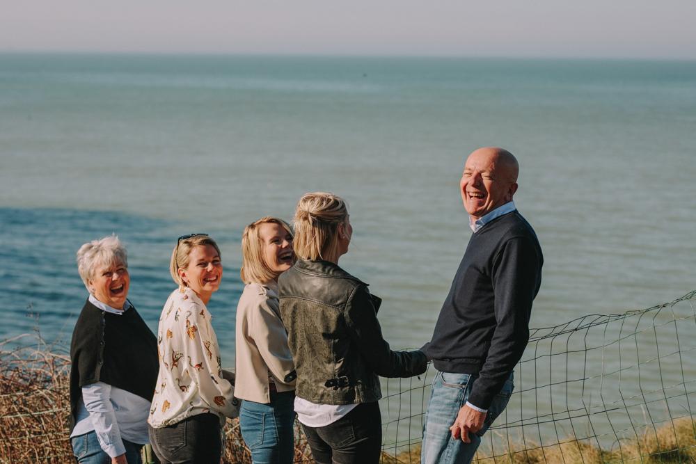 photographe de famille sur la plage de Normandie à Saint Pierre en Port