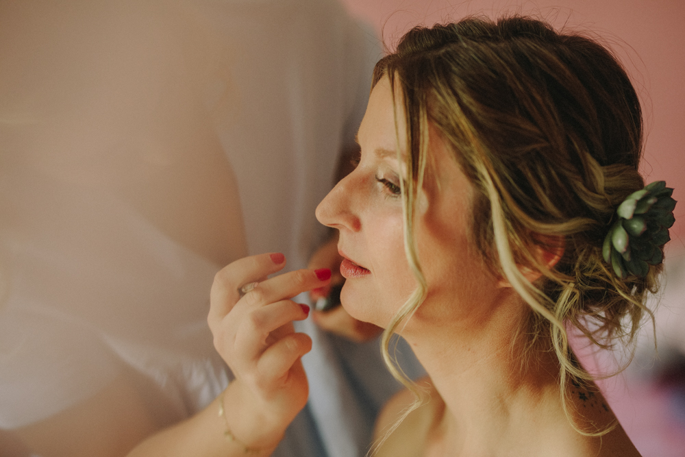 photographe de mariage à Etretat en Normandie maquillage à domicile
