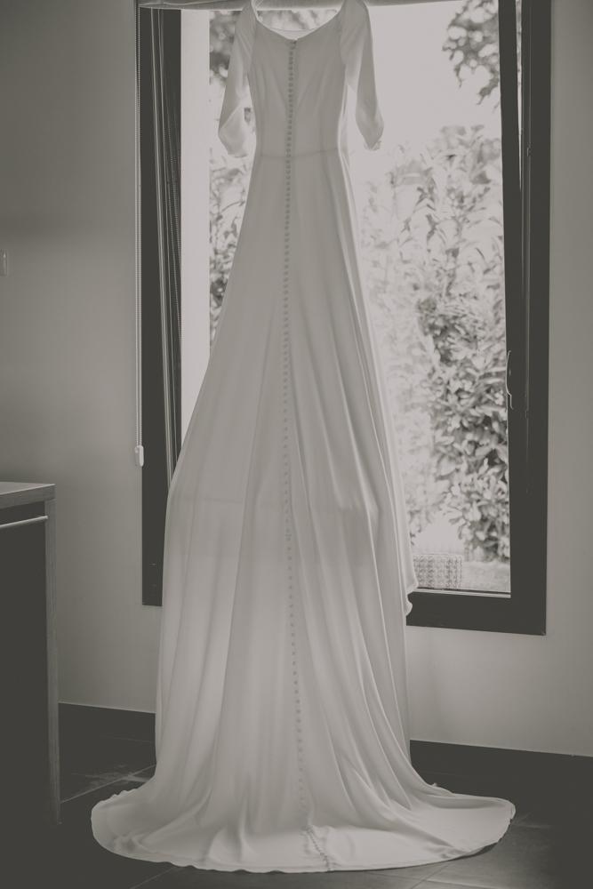 photographe de mariage à Etretat en Normandie la robe