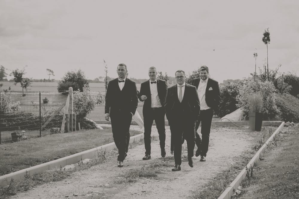 photographe de mariage à Etretat en Normandie témoin